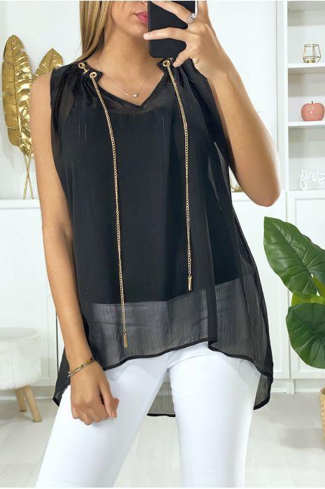 Zwarte crêpe blouse met gouden accessoire bij de kraag