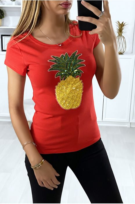 T-shirt rouge avec motif ananas en paillettes