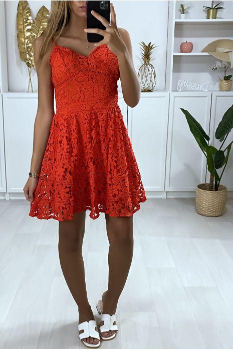 Uitlopende rode kanten jurk met bandjes