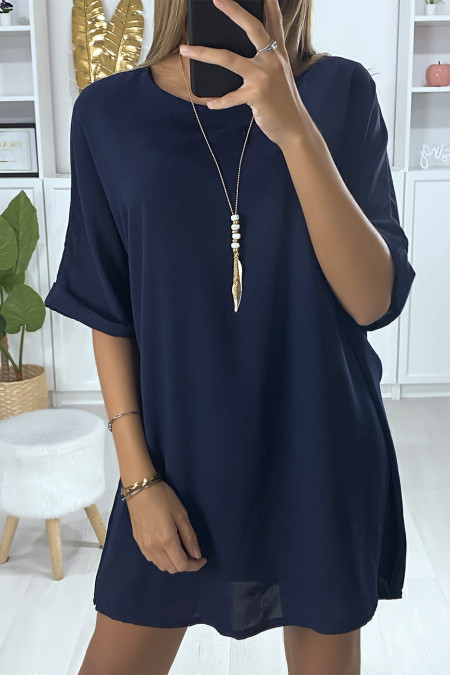 Loose tunic dress in navy with necklace