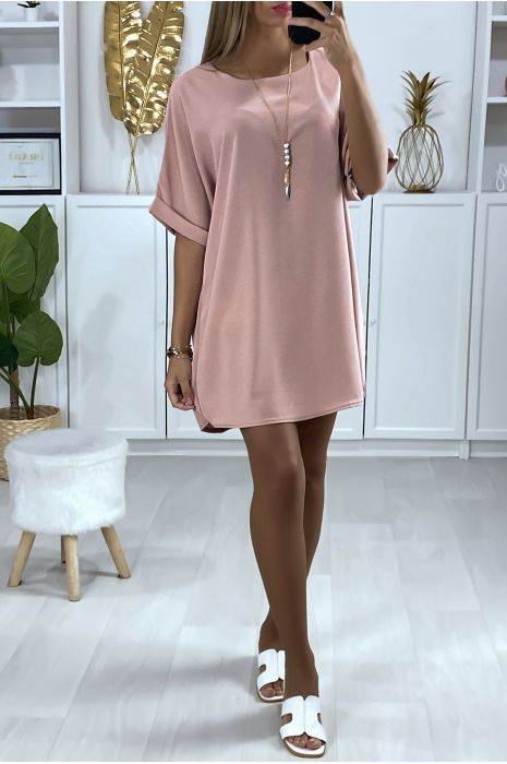 Robe tunique ample en rose avec collier