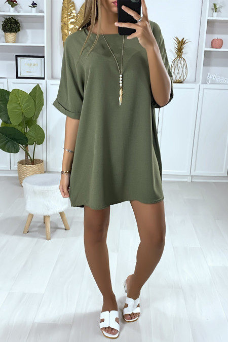 Loose tunic dress in khaki with necklace