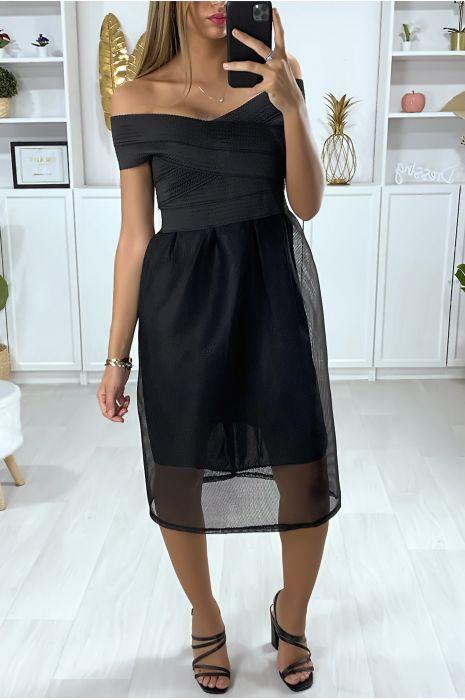 Uitlopende zwarte jurk met gevoerde boothals,