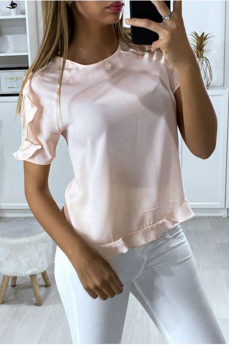 Roze blouse met ruche mouwen en kant en knoopjes op de achterzijde