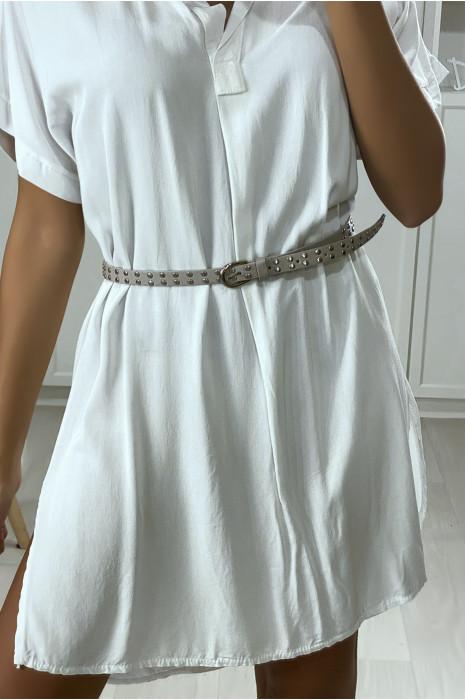 Fine ceinture grise clouté pour ajusté la taille