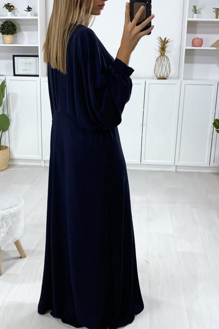 Longue robe marine manche chauve souris avec plis à la taille