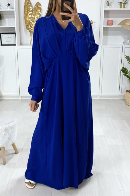 Lange koninklijke jurk met vlindermouwen en plooien in de taille