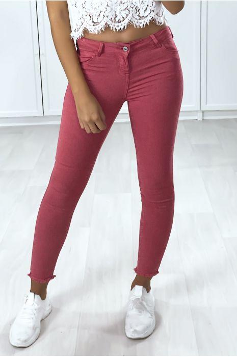Jeans slim fuchsia avec poches