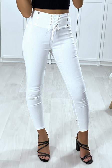 Slim pants in white strech with lace and buttons at the waist