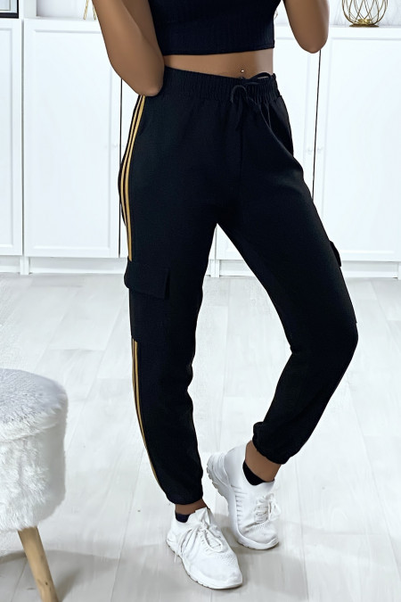 Black jogging with camel bands and side pockets