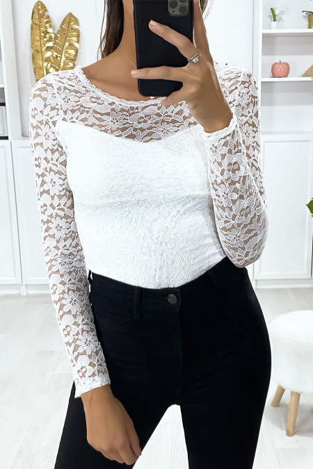 White bodysuit with long sleeves in lined lace