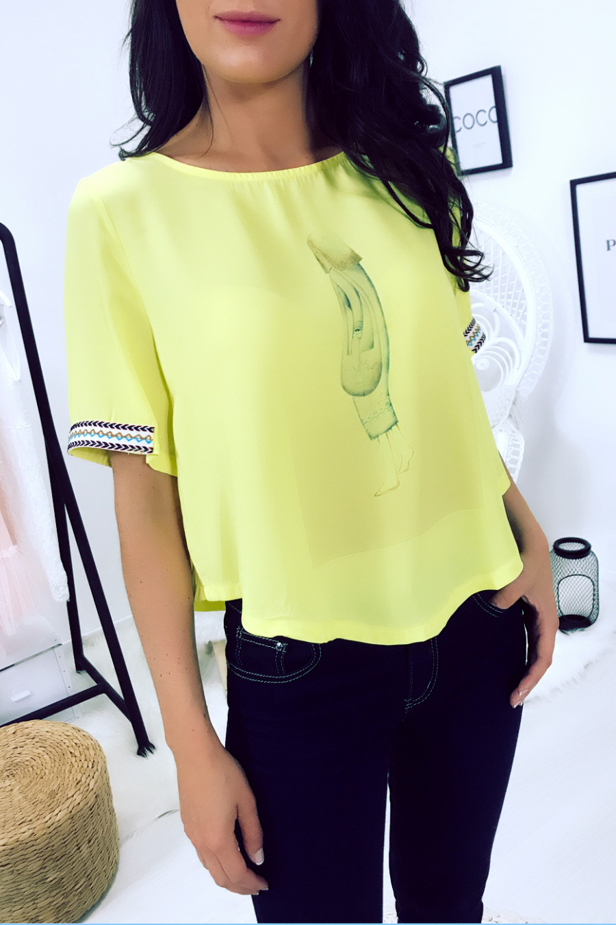 Yellow top with printed pattern and embroidery on the sleeves F5561