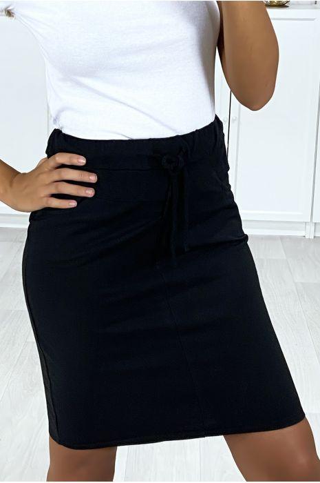 Jupe noir en coton délavé très sportive avec poches et lacet