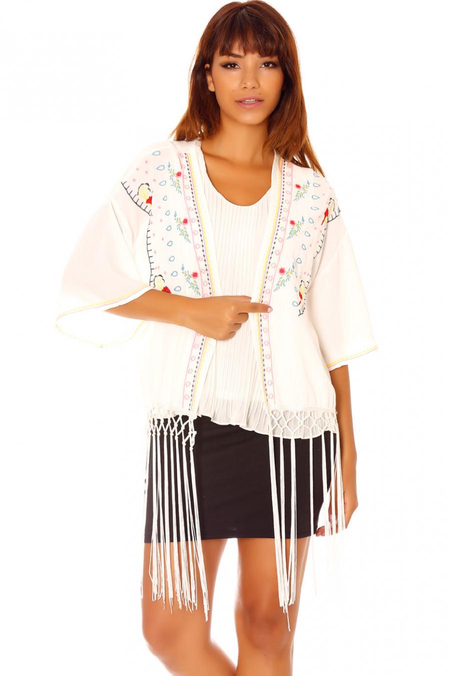 Wit kimonovest met borduursel en franjes C902