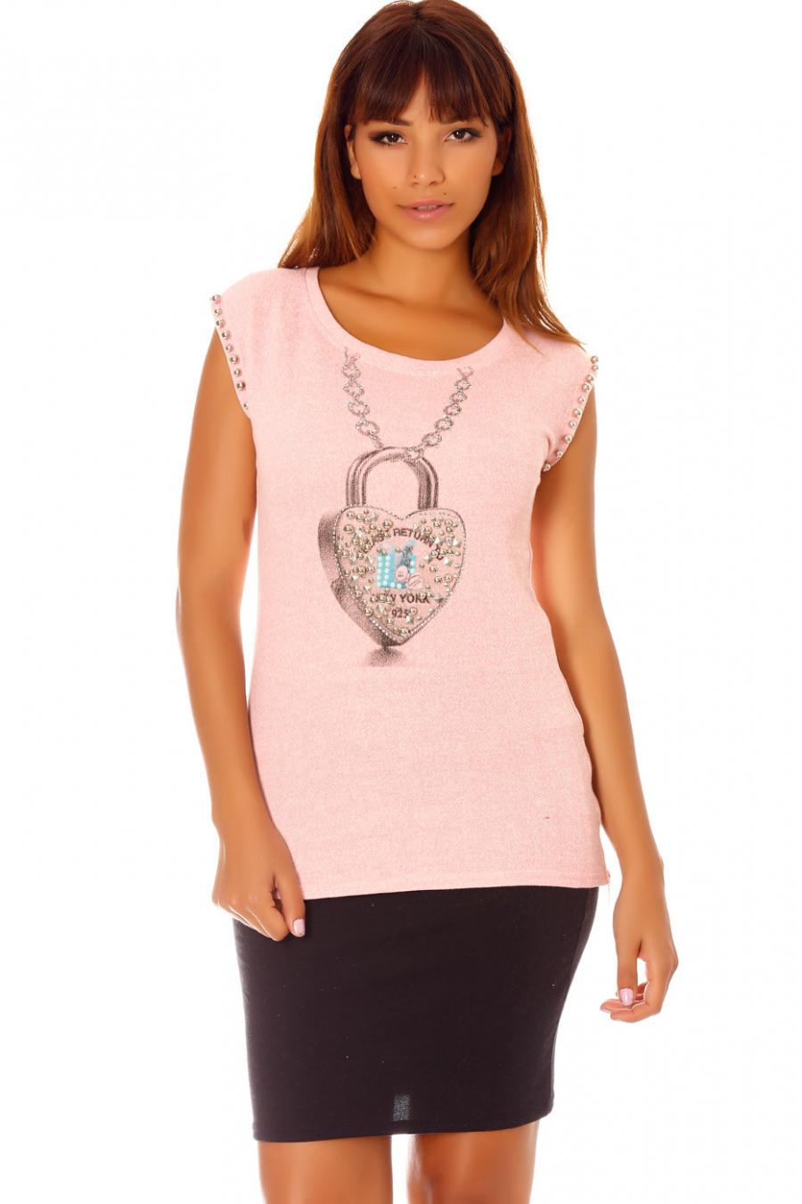Tee-shirt rose col rond à motif coeur avec strass et perles aux manches. G-5015