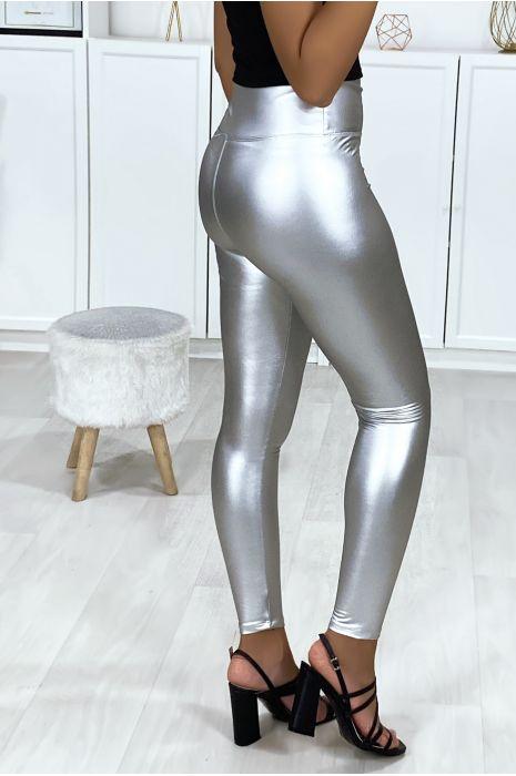 Legging en simili argenté très fashion