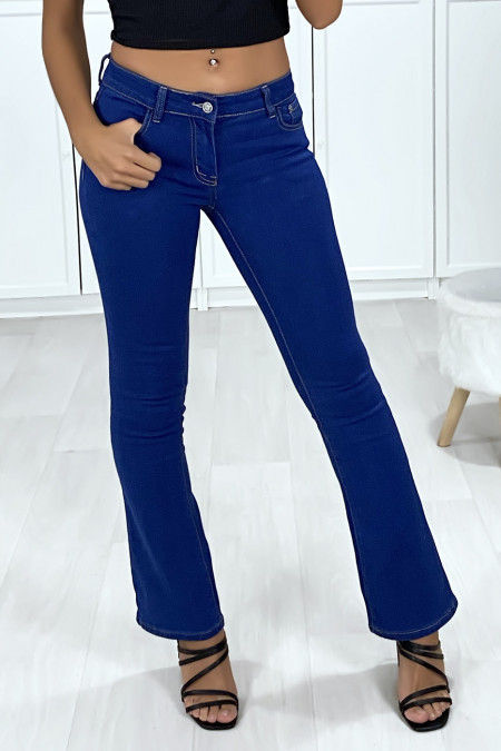 Raw blue jeans with 5 pockets