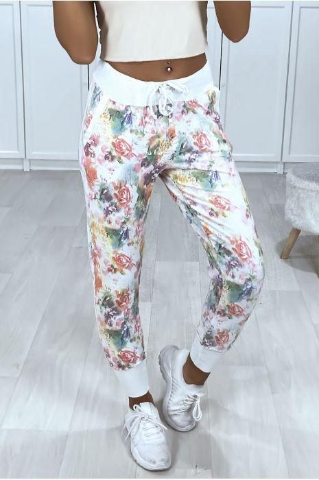 Jogging blanc en coton délavé motif fleurs