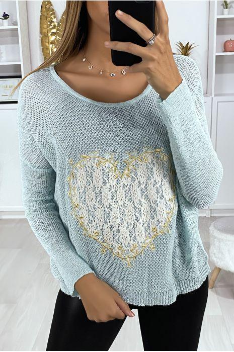 Turquoise sweater met hartmotief in kant en borduursels