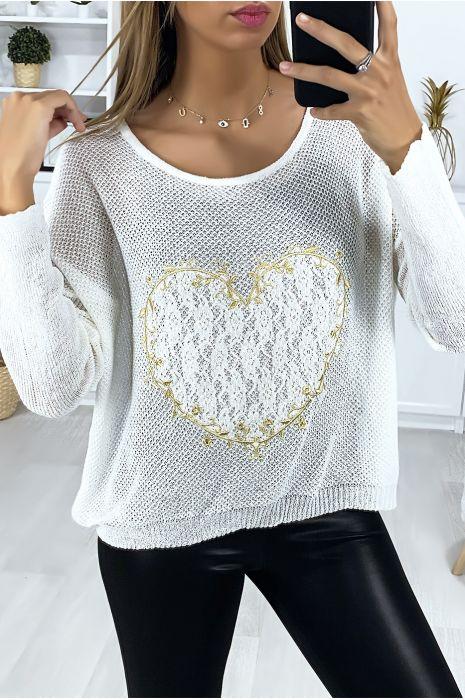 Pull blanc avec motif coeur en dentelle et broderie