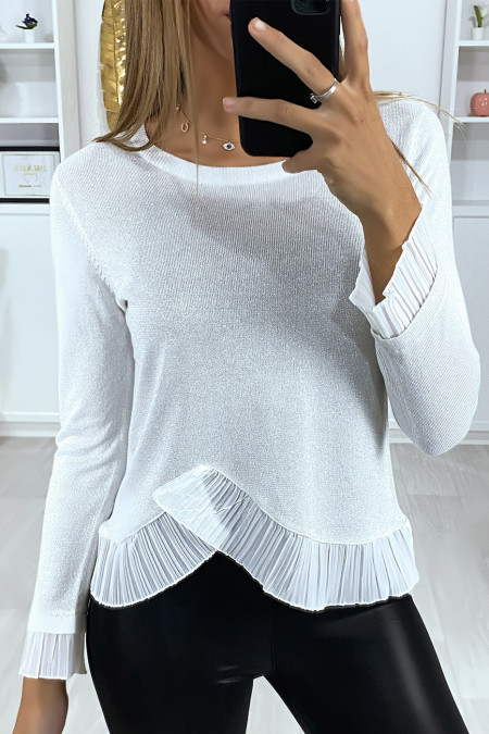 Lightly glittery gray sweater with pleated bottom and sleeves