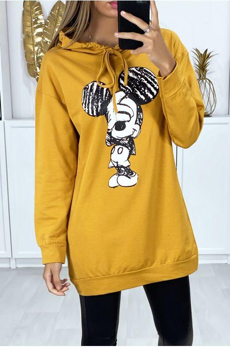 Lange mosterdkleurige hoodie met design op de voorkant
