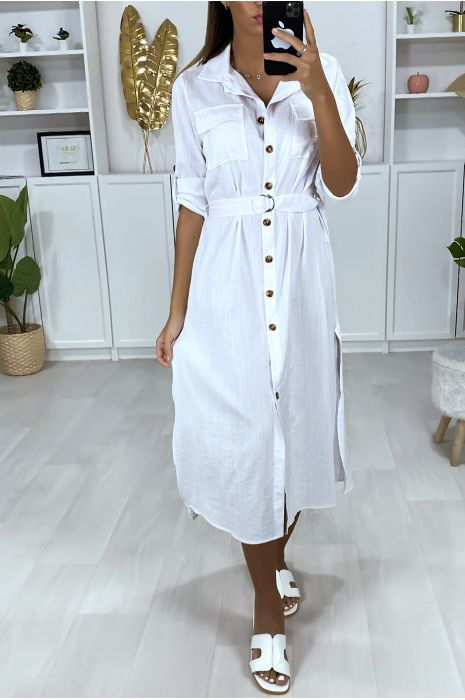 Longue robe chemise blanche boutonnés avec ceinture