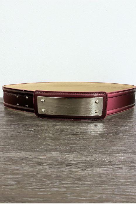 Bordeauxrode riem met lange rechthoekige gesp