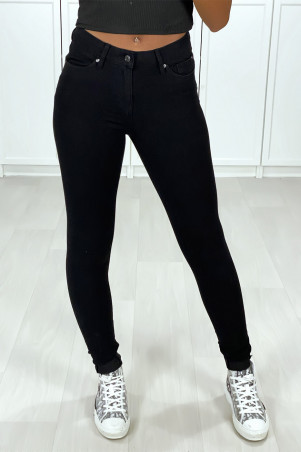 Very stretchy black slim jeans with 5 pockets