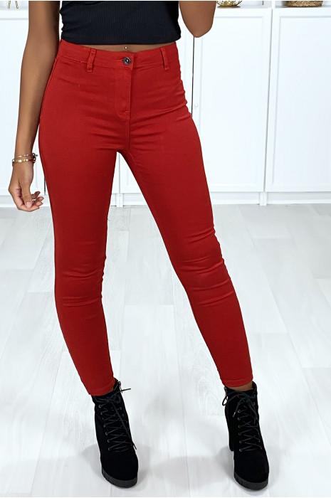 Rode zeer rekbare slim jeans met achterzakken