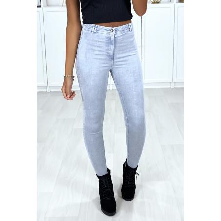 Jeans slim bleu clair très extensible avec poches à l'arrière