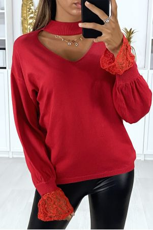 Red sweater with bust opening with lace sleeves