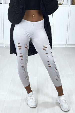 Gray leggings with shiny material and stretchy tapered at the front