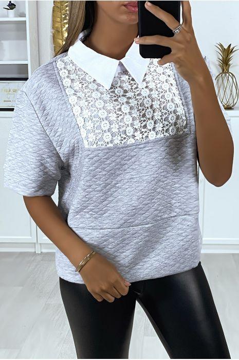 Blouse noir matelassé avec dentelle au buste et col chemise