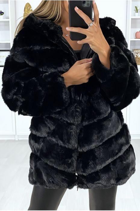 Manteau noir en fourrure synthétique avec poches et capuche