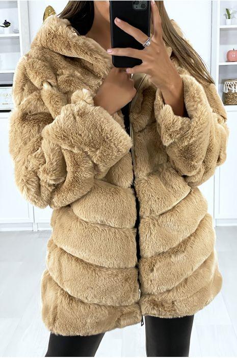 Manteau camel en fourrure synthétique avec poches et capuche