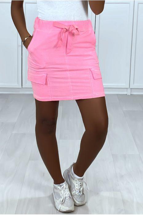 Mini jupe fuchsia en coton délavé avec poches sur les cotés