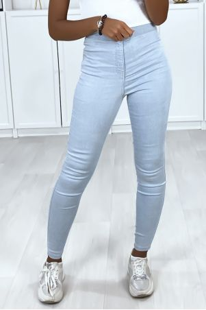Light blue high waist jeans with back pockets