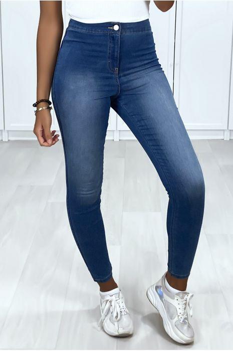 Jeans bleu clair taille haute avec poches arrière