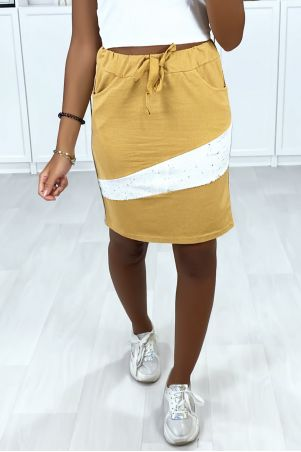 Camel skirt with stripe pockets on the sides and rhinestones on the front