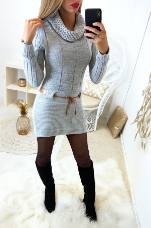 Pretty gray tight tunic sweater with small camel belt