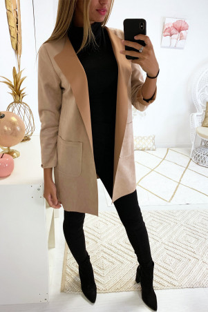 Beautiful beige suede jacket with pocket and lapel collar