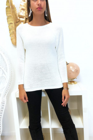 Pretty white trapeze sweater, braided at the back with 3 small butterfly ribbons