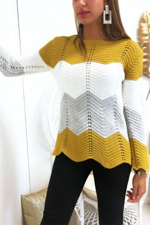 Magnifique pull trapèze tri-color forme arrondis en bas à dominance moutarde