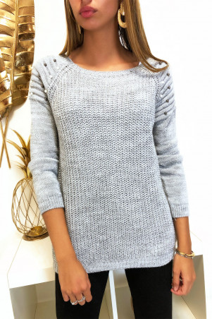 Pretty gray sweater with rounded shoulders biker style with pearls