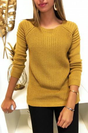 Mooie mosterdkleurige sweater met ronde schouders in bikerstijl met parels