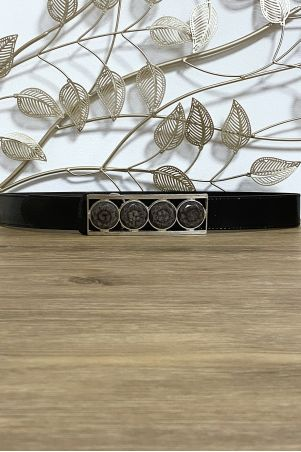 Ceinture noir avec 4 pierres beige à la boucle