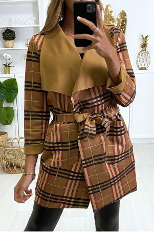 Trench coat Beige à motif rayure et col revers.