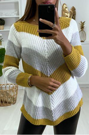 Pull en laine Noir tricolore à maille torsadée et coupe asymétrique.
