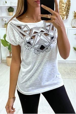 White T-shirt with embroidery and lace on the bust